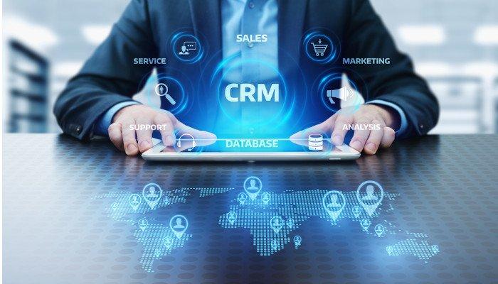 Effizient, Automatisiert, Persönlich, Flexibel und Zeitsparend – lernen Sie die Möglichkeiten eines CRM-Systems kennen und begleiten Sie Ihren Kunden durch die gesamte Customer Journey